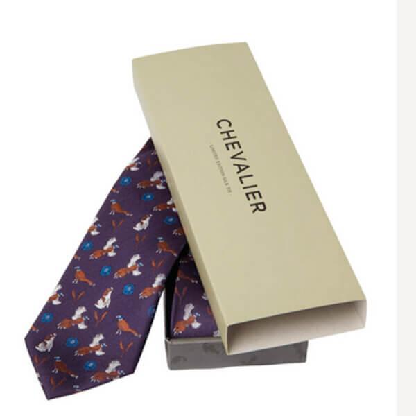 corbata de sesa de cazador